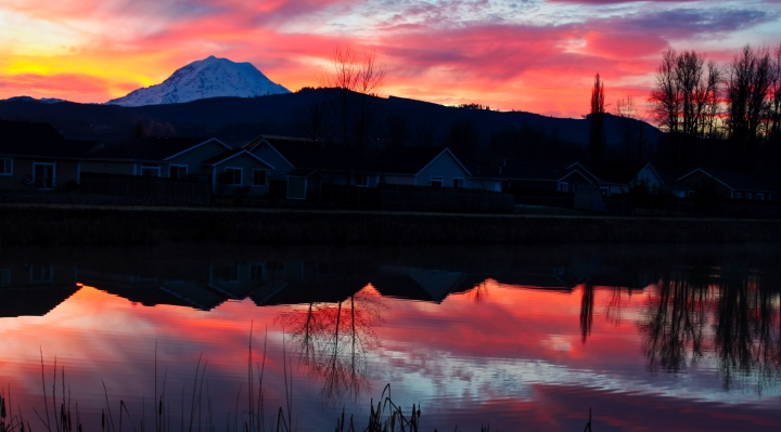 RainierSunrise01